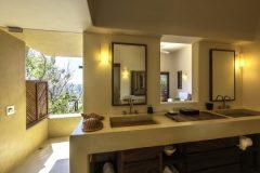 Montecito-Bano-II.jpg-nggid03481-ngg0dyn-0x360-00f0w010c010r110f110r010t010